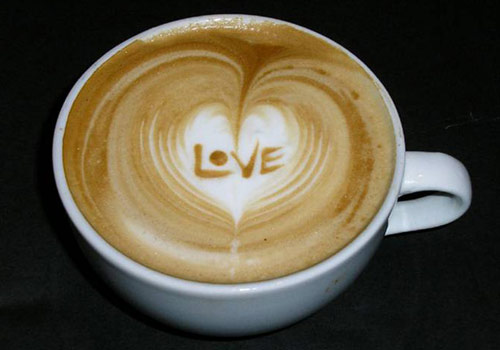 Latte Art Heart from wikiHow